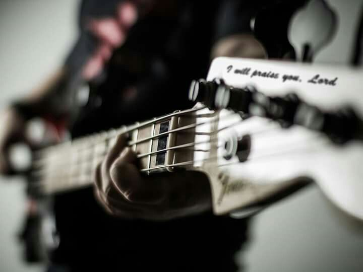 4 Essential Tips on Bass for Worship Teams – gloryfall